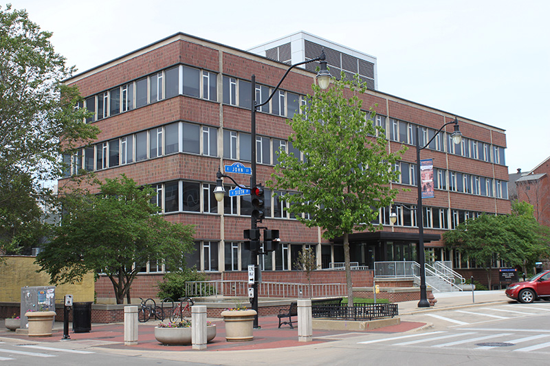 Front view of Turner Student Services Building